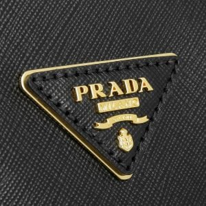Outlet-Shopping - Prada & Co
